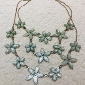 Jewelry - 5/$30 Gorgeous Tame Teal Floral Necklace